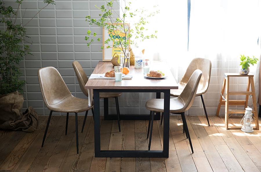お洒落な鉄脚テーブルをレンタルで揃えるアイディア。