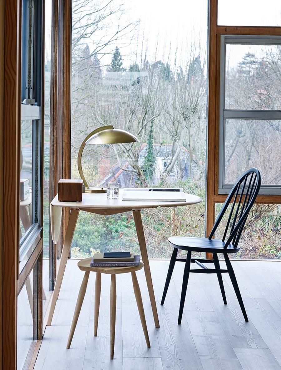 堅牢で美しく、品格のある佇まい。 伝統的な椅子として古くから愛されてきた存在。