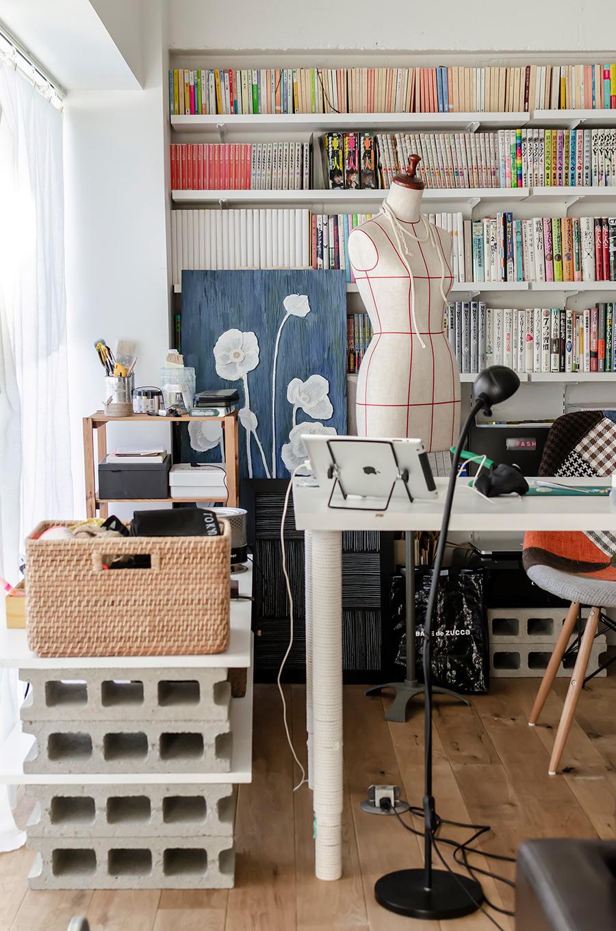 作業机の脚にロープを巻いてアレンジ。