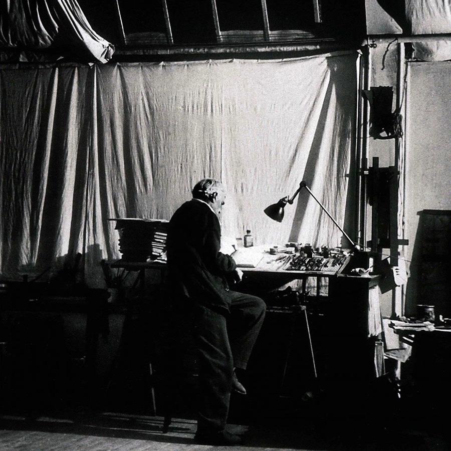 フランスの画家、ジョルジュ・ブラックも「LAMPE GRAS NO.201」を愛用。