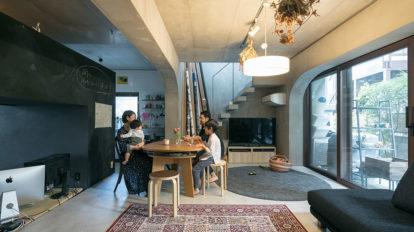 コーポラの魅力を存分に楽しむ 設計から参加できるコーポラは、床を掘り下げることも可能