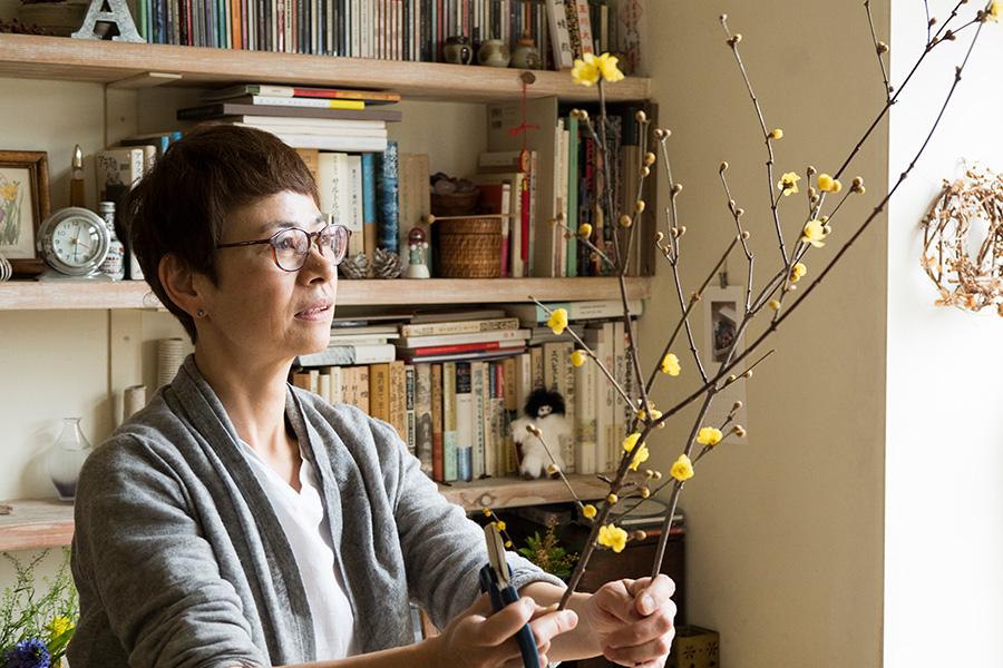 花手・プランツスタイリストの井出綾さん。衣食住をつなぐ花と植物の楽しみを提案。「Bouquet de soleil」