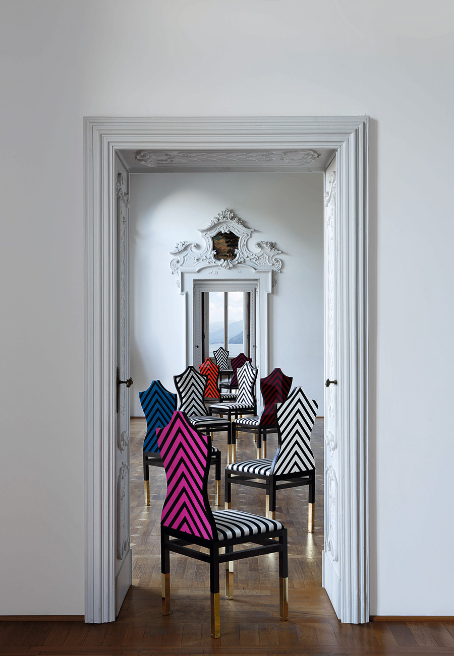 フランスのインテリアブランド『Roche Bobois(ロッシュ ボボア』には、色にこだわった家具が数多く揃っている。このチェアは、クリスチャン・ラクロワのデザイン。