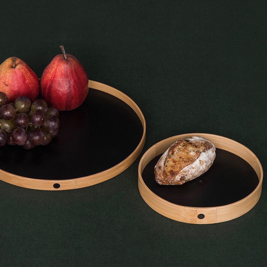プレートとしても使える。フルーツやパン皿として。フィンガーフードを盛り付ければ、ホームパーティでも映える