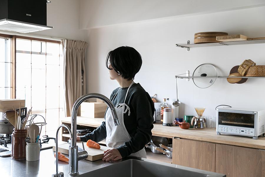 細川木綿子さんは、江戸懐石近茶流の柳原料理教室のアシスタントを務めながら、自宅で少人数制の料理教室を開いている。