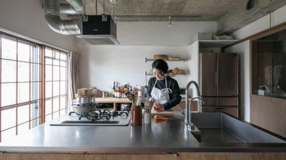 自宅で和食の料理教室を 使いやすさにこだわった アイランドキッチンのアイディア