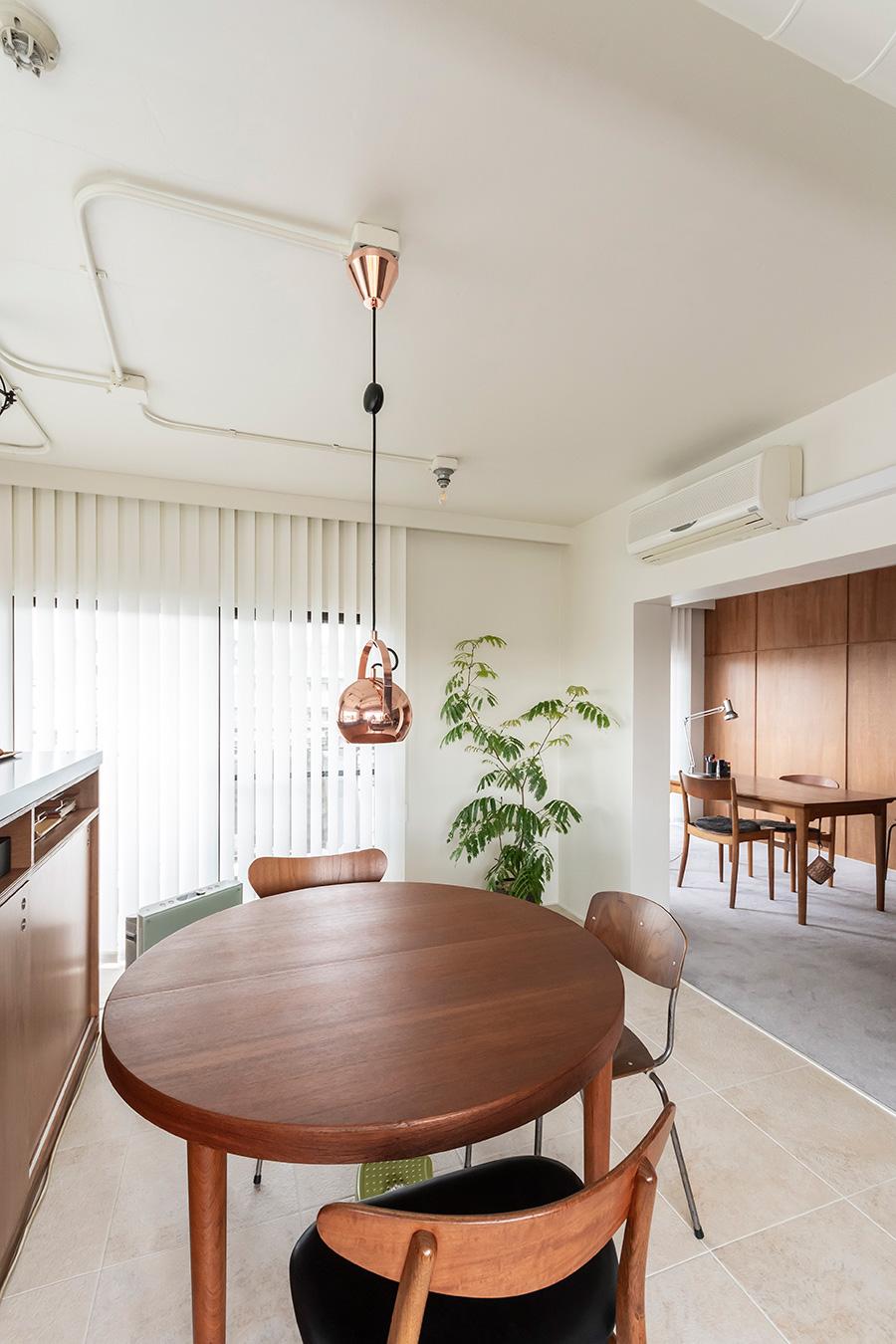 デンマーク家具の専門店「haluta」で買った丸テーブル。