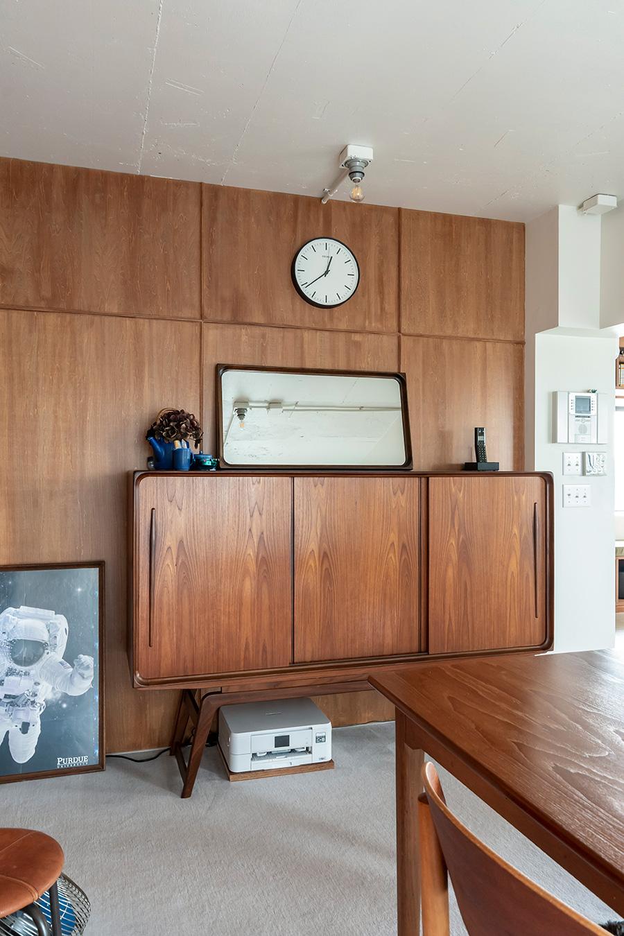 書斎のキャビネットは北欧家具専門店「HIKE」のもの。