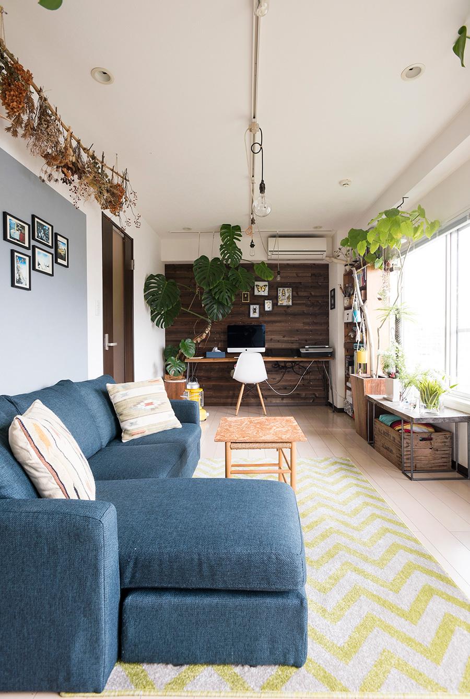 壁面をアレンジすることで、空間に変化と広がりを感じさせている。