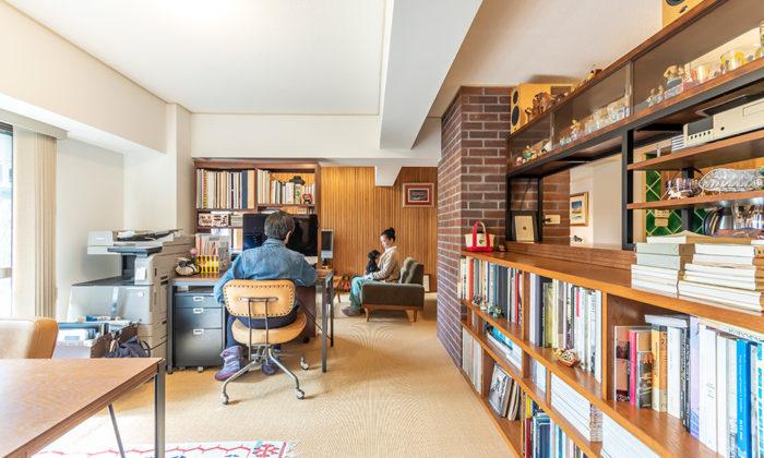 1950 年代ミッドセンチュリー デザイナー夫妻の住まう森の⾒える仕事部屋