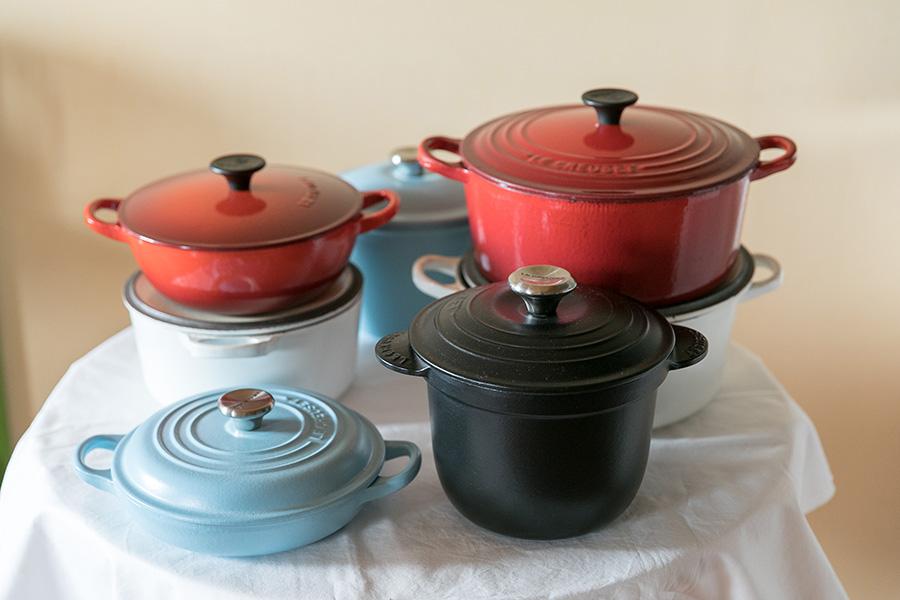 愛用のル・クルーゼの鍋たち。藤山さんは2017年からル・クルーゼの公認アンバサダーを務め、レシピ提案や料理教室で活躍している。