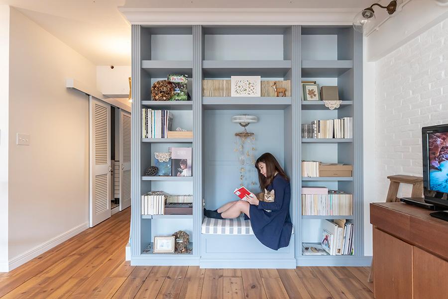 リビングの一角に設けた読書空間。