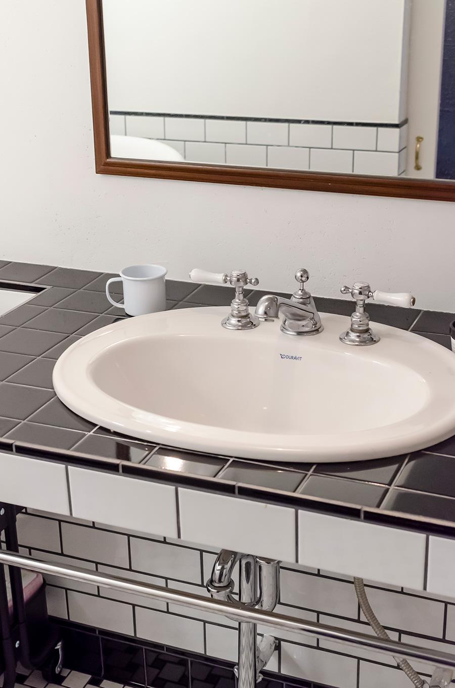 洗面器はドイツ製『DURAVIT』のもの。