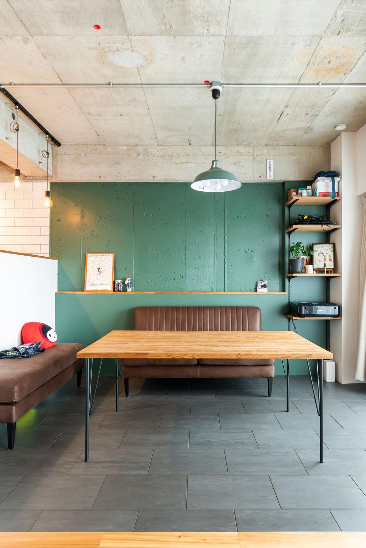 キッチン横のダイニングスペースは約9㎡。