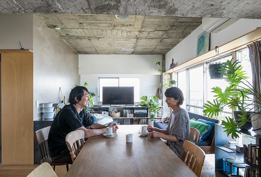 mihadesignの光本直人さんと濱名直子さん。デザインはもちろん、住宅の性能も考えたプランを提案。