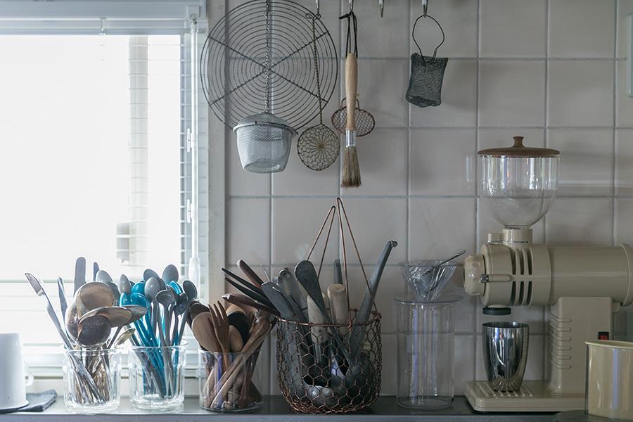 キッチンのタイルは張り替えずにそのまま使った。