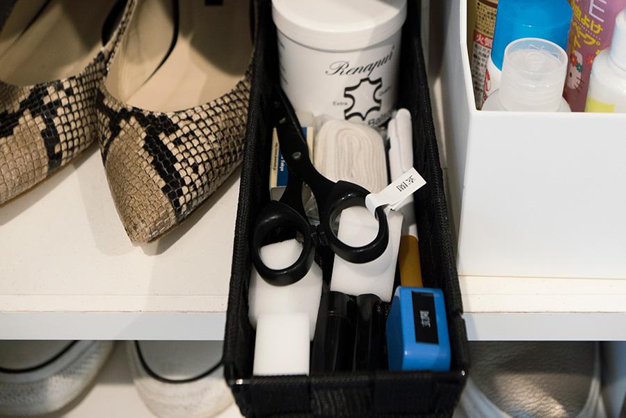 宅急便用の印鑑、ボールペンなど、玄関に必要なものをスタンバイ。