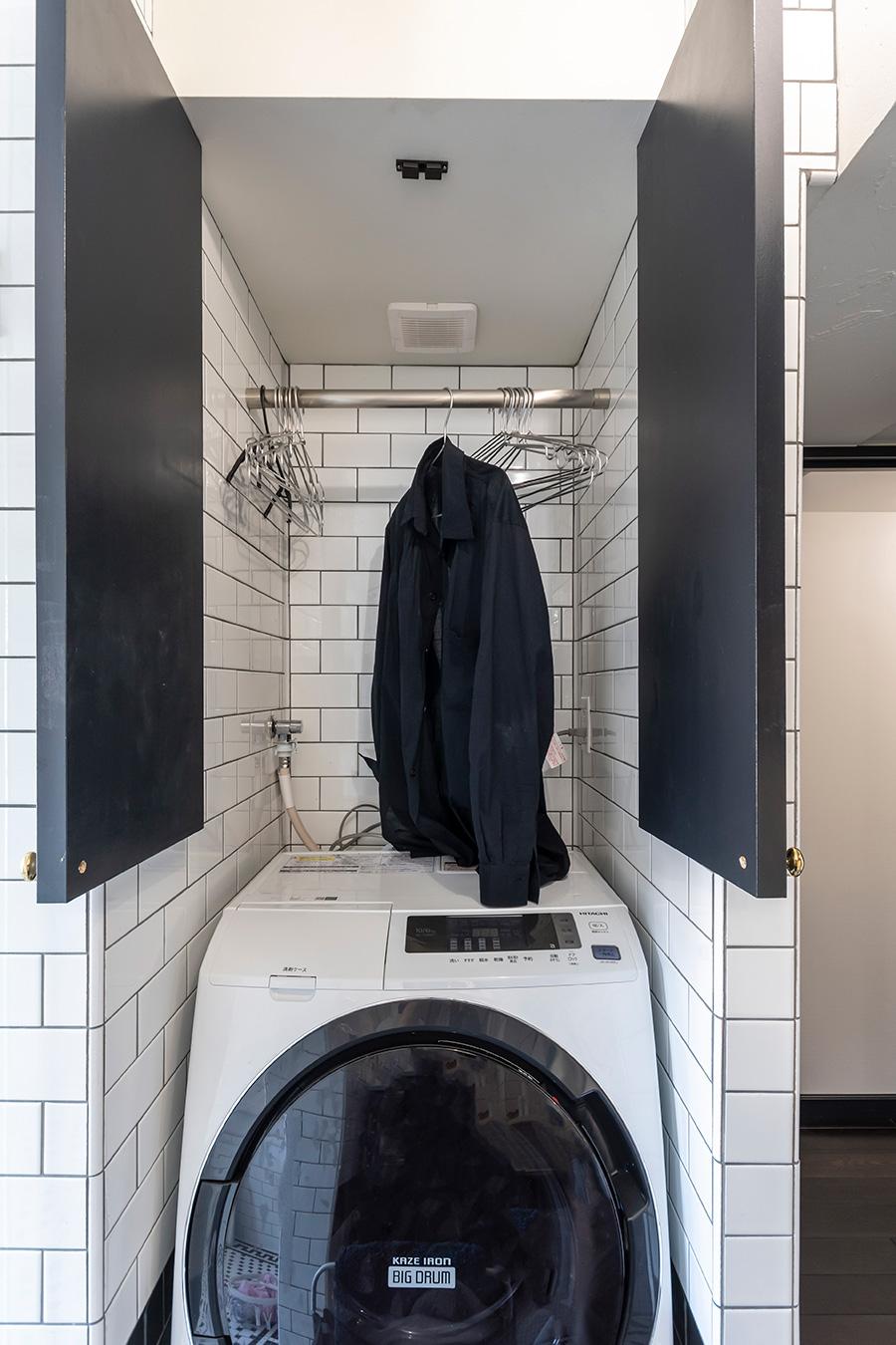 換気扇を利用した衣類の乾燥場になっている。