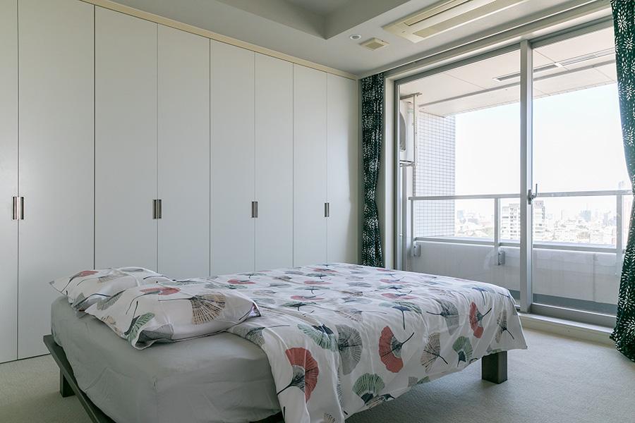 コロネル大使のベッドルーム。畳ベッドを愛用している。