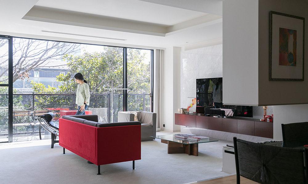 アイデアは仕事先で旅先で 日本・フランス文化の ほどよい調和を感じる空間