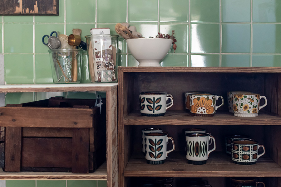 ベルギーの「BOCH」の器を集めている。アースカラーに華やかな柄の組み合わせがお気に入り。