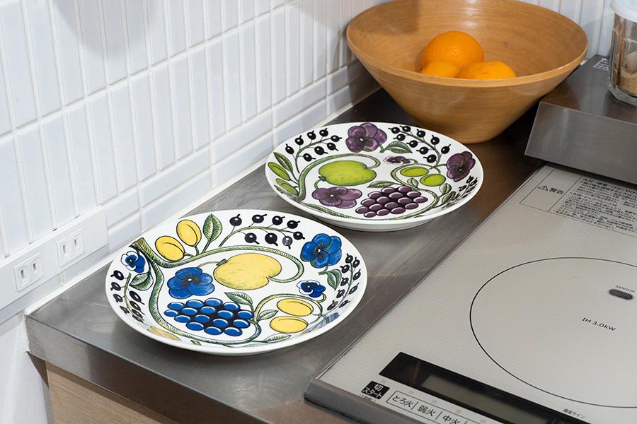 コンロ横はお皿を置ける幅に。お鍋やフライパンからサーブしやすい。