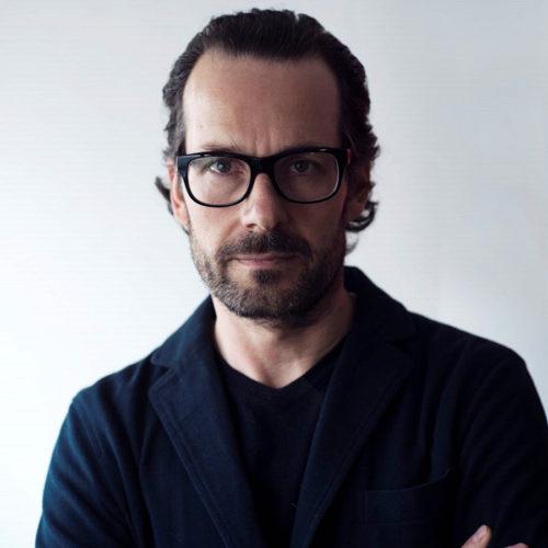世界で活躍するドイツ出身のデザイナー、コンスタンチン・グルチッチ 。