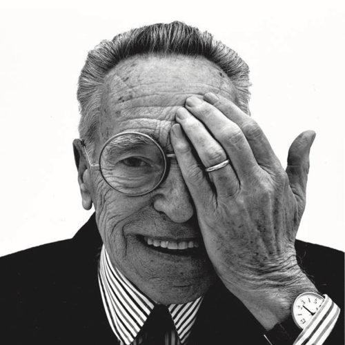 1962年のFLOS創業期より活躍し、数々の名作照明を生み出したデザイナー、アキッレ・カステリオーニ。