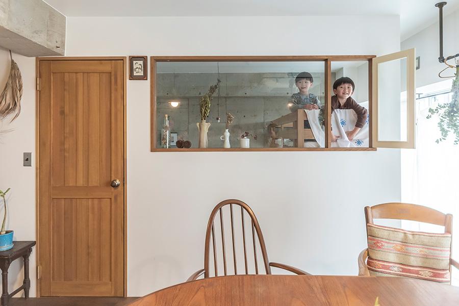 家族みんなで眠る寝室は約6.6㎡。