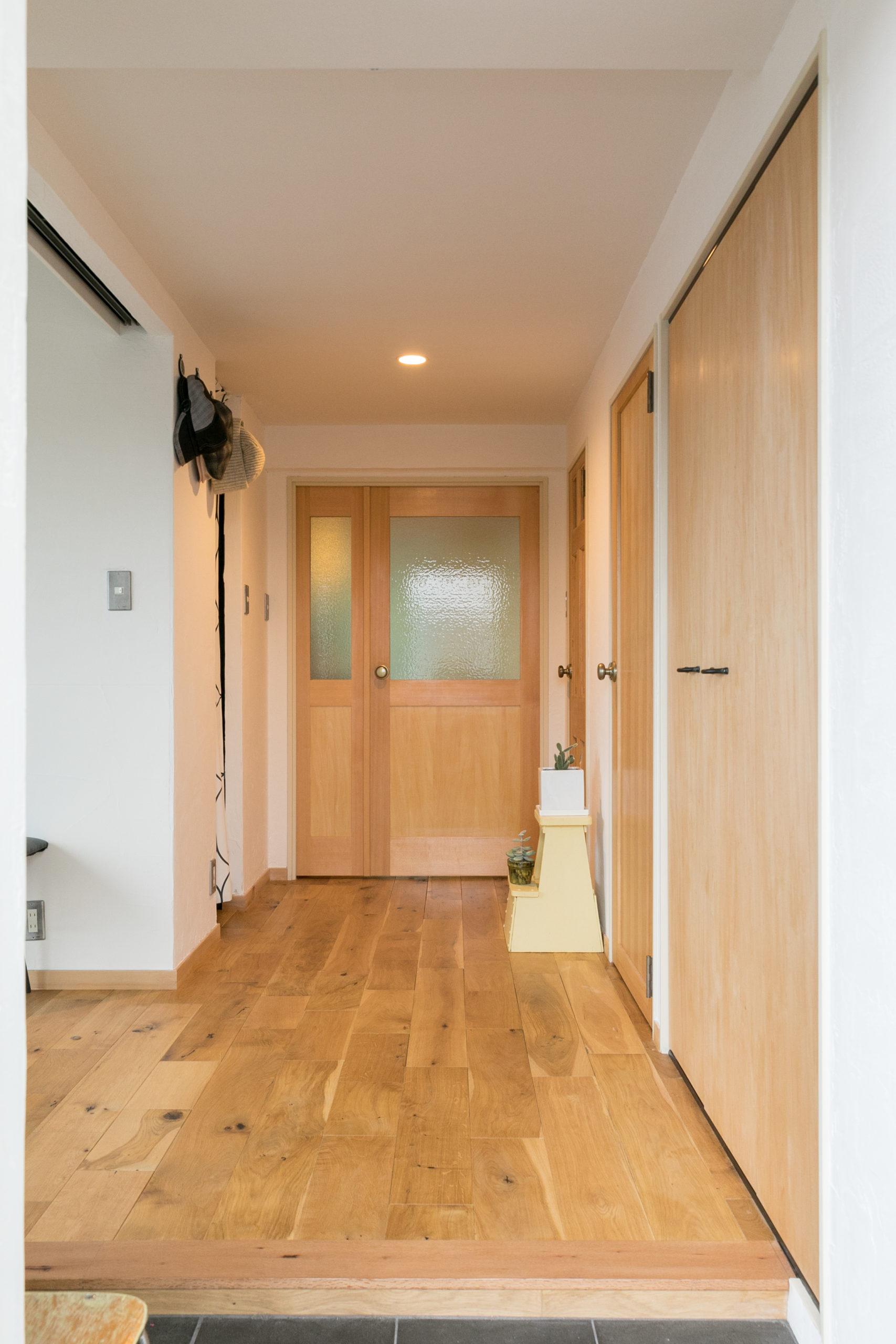 サービスルームの壁と扉と無くしたことで間口が広がり開放感がある