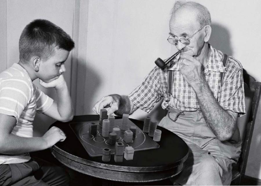 世界で最多の受賞歴を持つと言われるゲーム「クアルト」 対象年齢は6~99歳 !