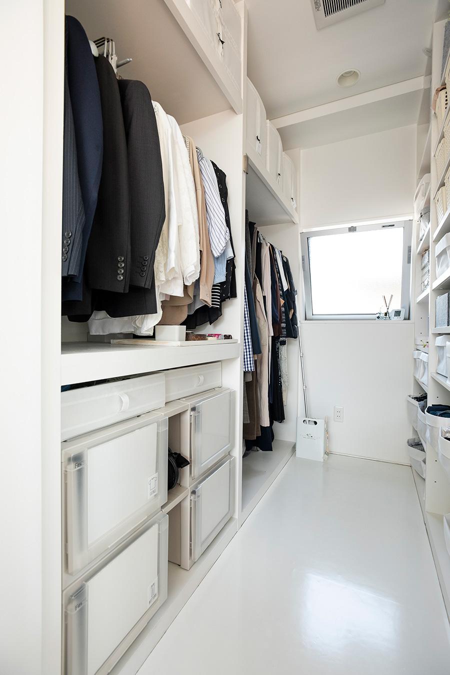 衣類だけでなく、腕時計、定期券、ハンカチなど夫が通勤時に必要なものもすべてここに収めている。