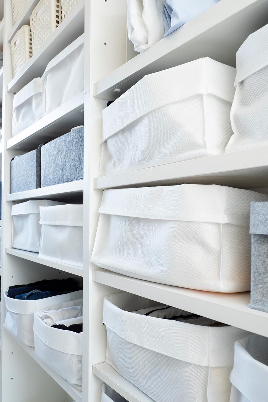 Seriaの不織布のカゴは、入れるものの中身に合わせて高さを変えられるのが便利。