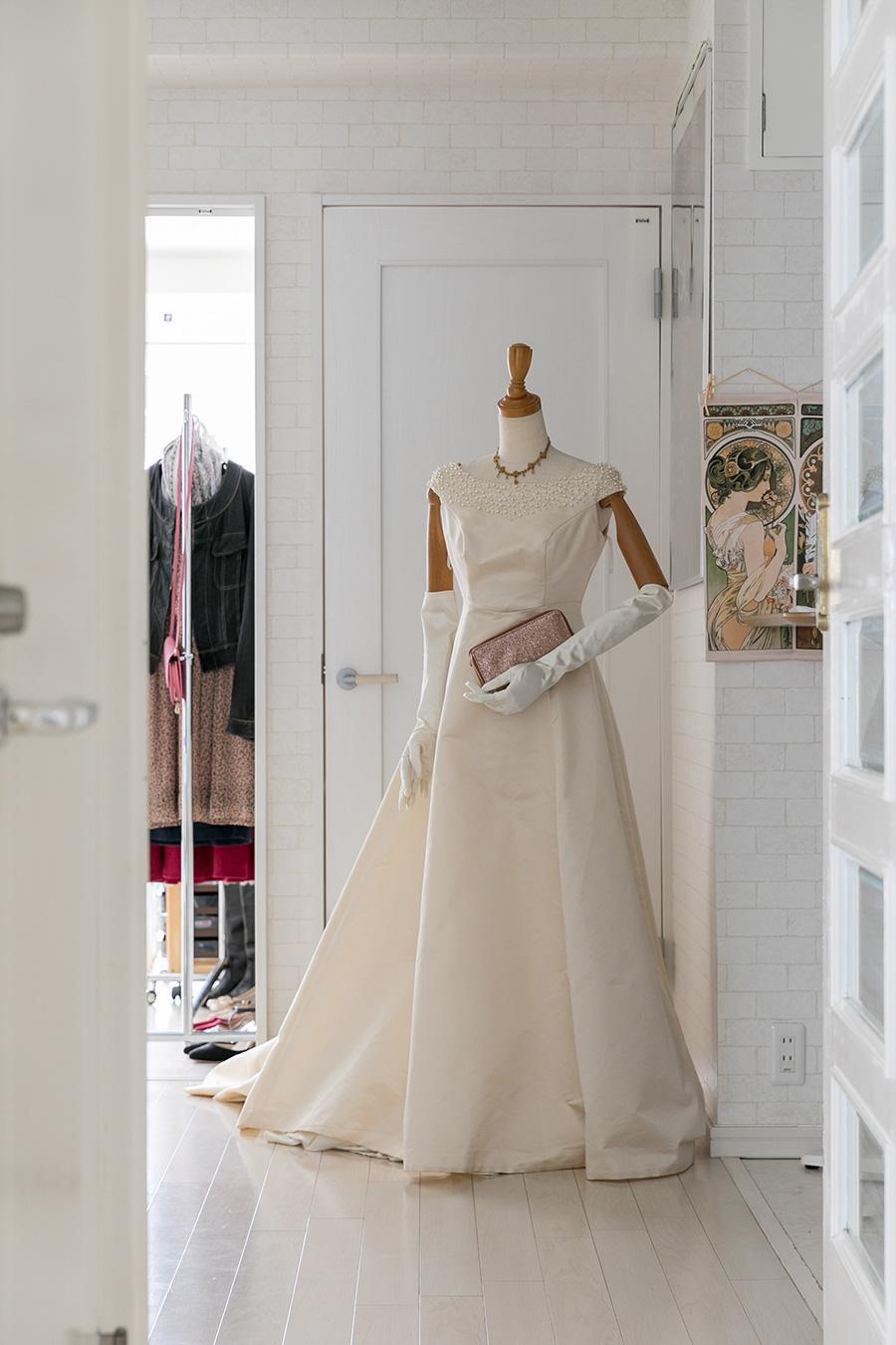 バレエの発表会で使うドレスなどで、定期的に着せ変えをする。