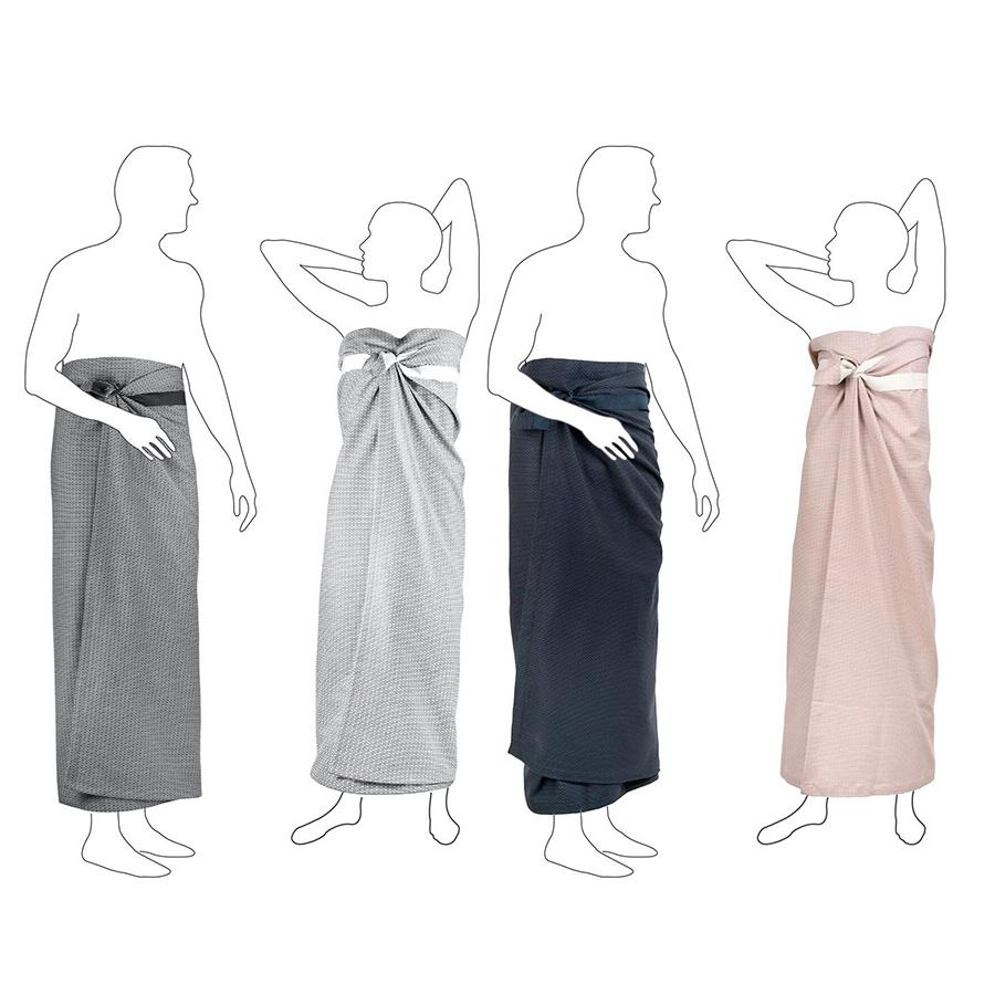 バスタオルは2サイズ展開、 PIQUE WELLNESS TOWEL 110×165cm 各¥8,800 PIQUE TOWEL TO WRAP AROUND YOU 60×155cm 各¥6,000