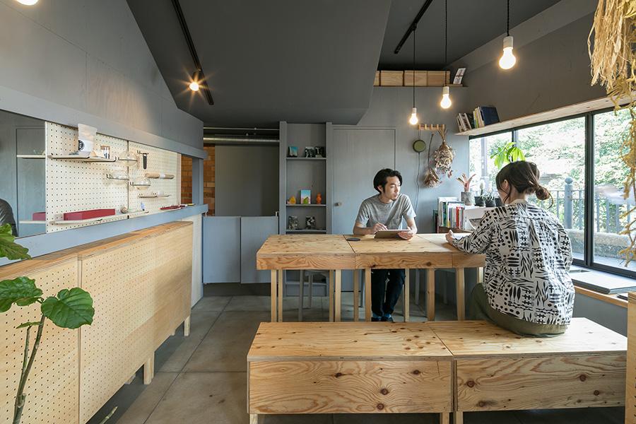 コロナ感染予防の自粛期間中は、梅村さんがセカンドオフィスとして活用したそう。