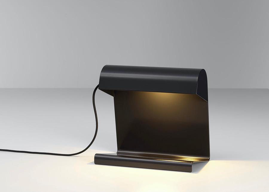 ランプ ド ビューロ ( ディープ ブラック )  W24 D14.5 H22.5cm ¥36,000 ヴィトラ