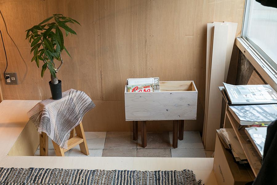 塩脇さんの部屋は、一部の床を下げてある。「グリーンを飾る場所にしようと考え、防水も施しました。まだ飾っていませんが(笑)」