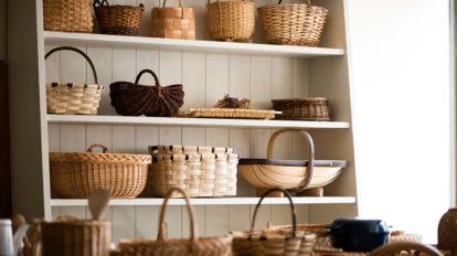 先人の手仕事を今の暮らしに  職人の技と心が伝わる 手編みのカゴを日常に