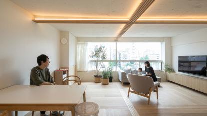 築52年をセルフリノベーション 建具によって広さと機能性を両立。 フレキシブルで居心地の良い空間。
