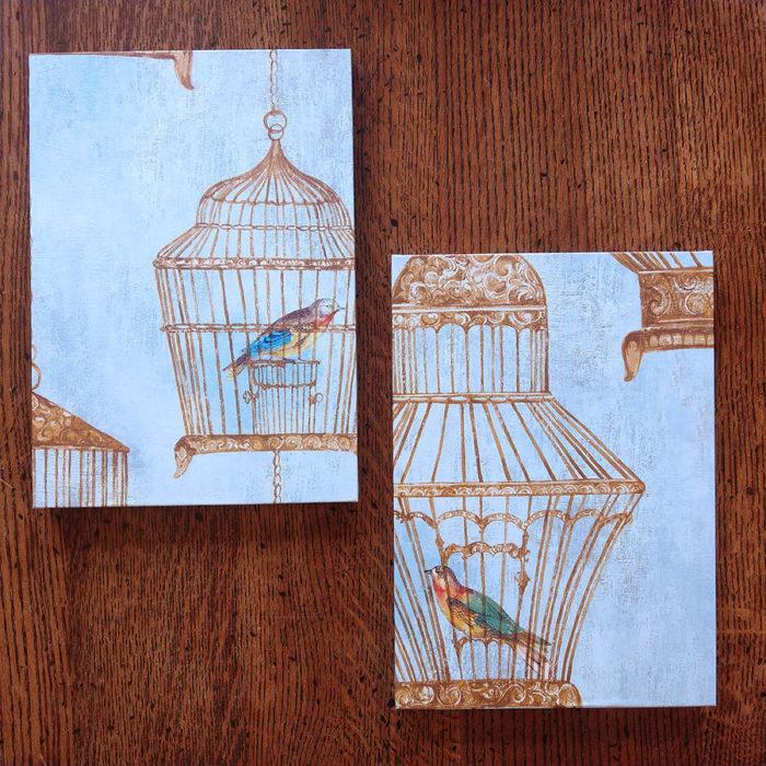 輸入壁紙を使ったインテリアパネル。お気に入りの壁紙のアートワークを小さなパネルで楽しむことができる。
