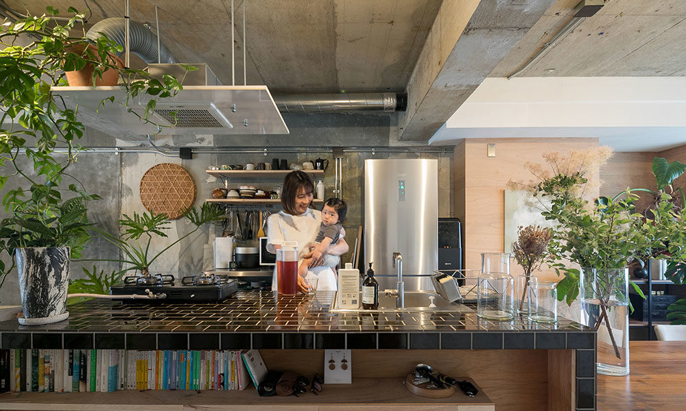 自由設計可能な賃貸に住まう インテリアのプロ夫妻が DIYでリノベーション