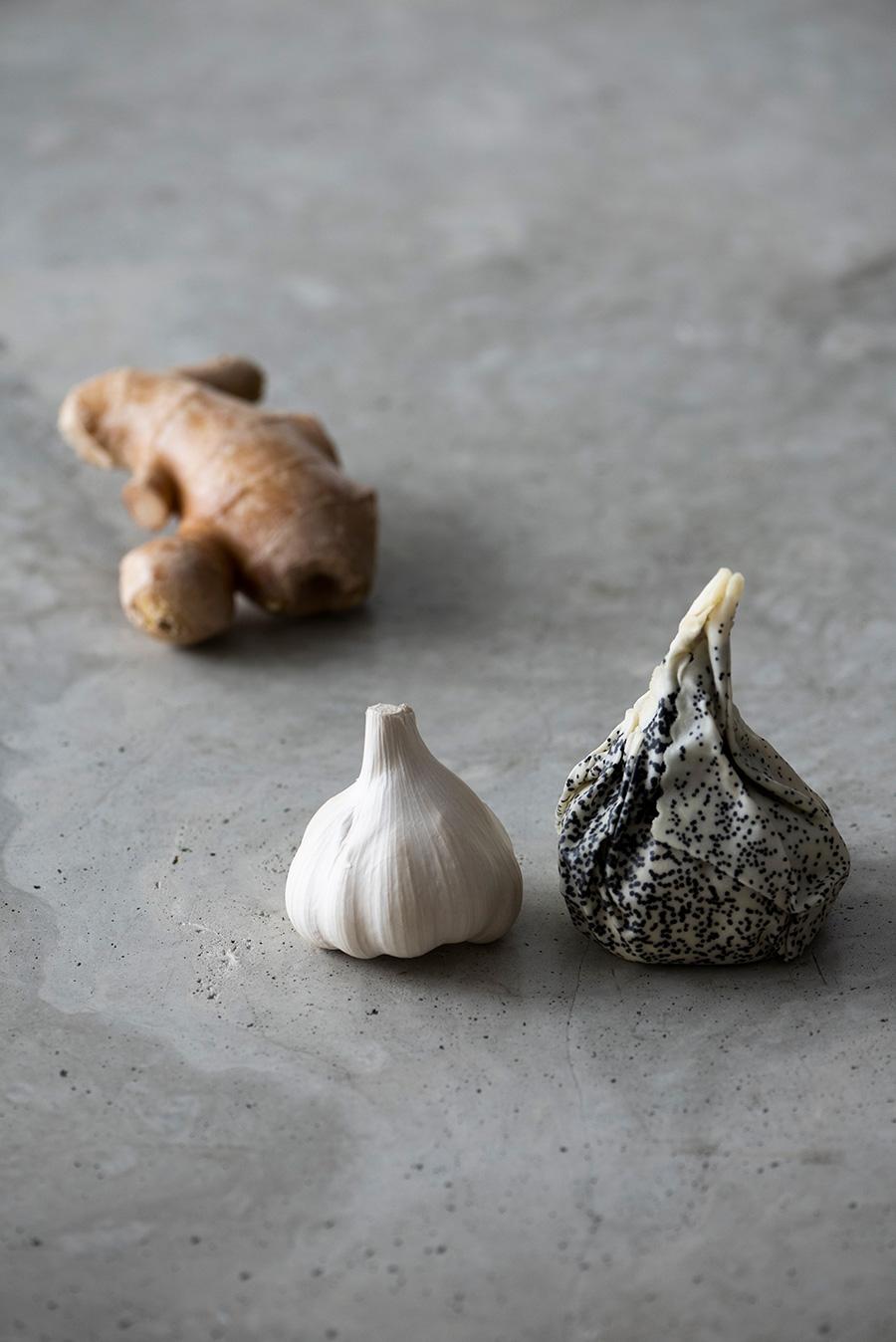 使いかけのにんにくや生姜も長く保存できる。
