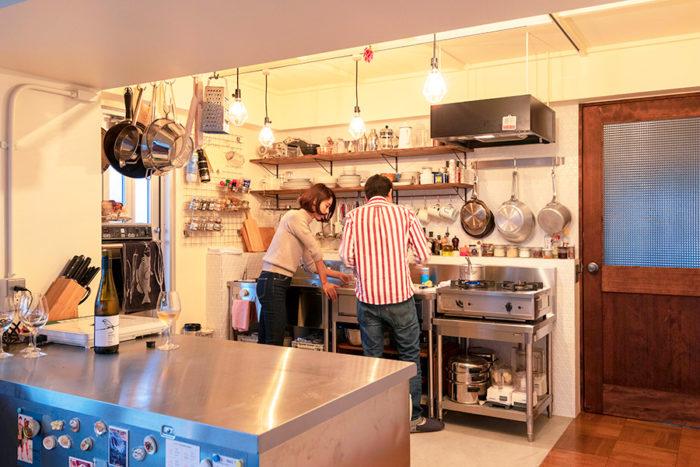 キッチン部分の総面積は約7㎡。(写真提供「nuリノベーション」)