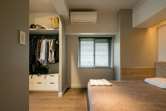 左側のウォークスルークローゼットの奥に子ども部屋にできるスペースがある。将来的に壁を作り独立した部屋にすることも可能。
