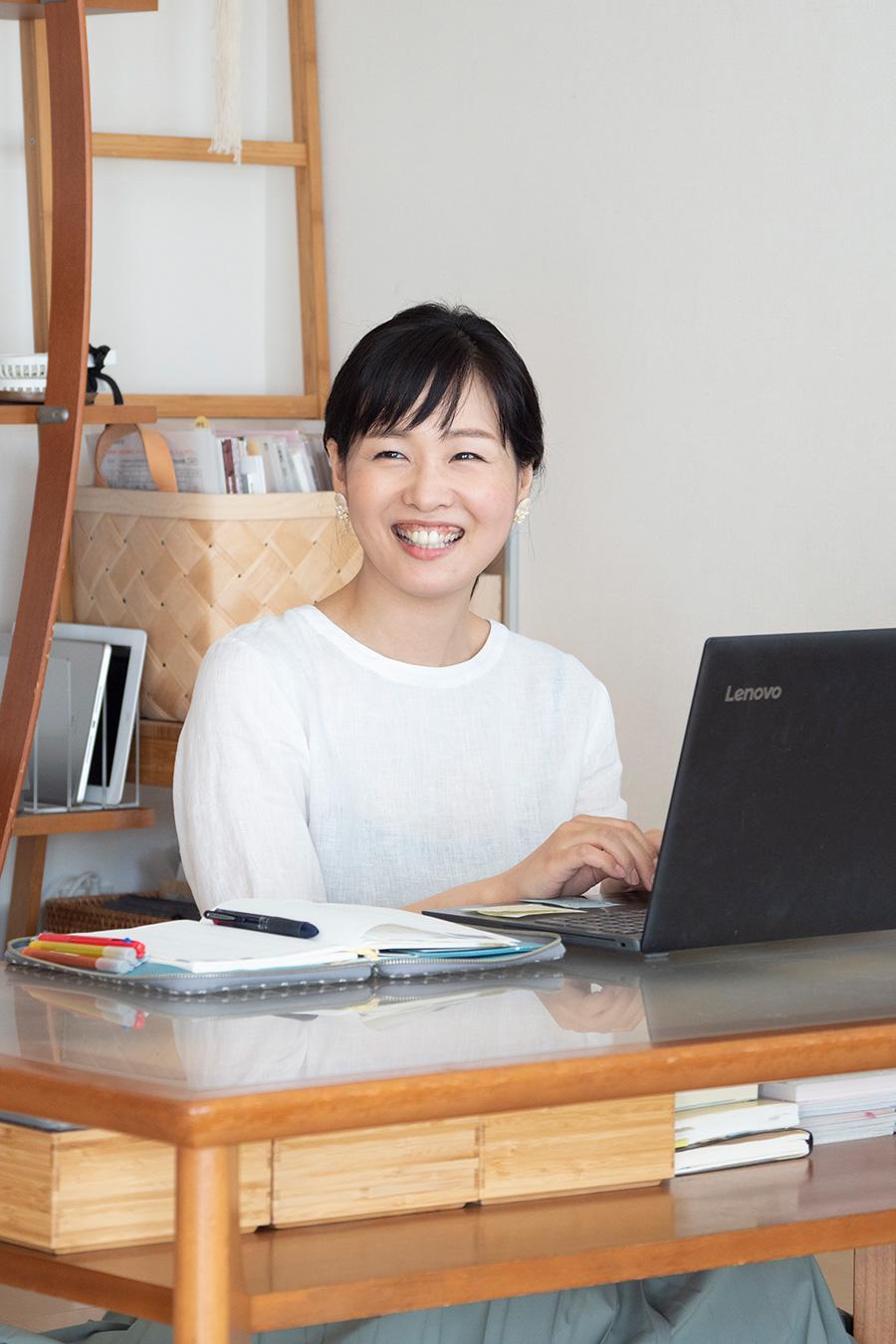 整理収納アドバイザーtakaさん。ライフスタイルに合わせて、家族みんなが無理なく続けられる片づけをアドバイス。ブログ『つづく、暮らし』でも片づけのアイデアを発信。