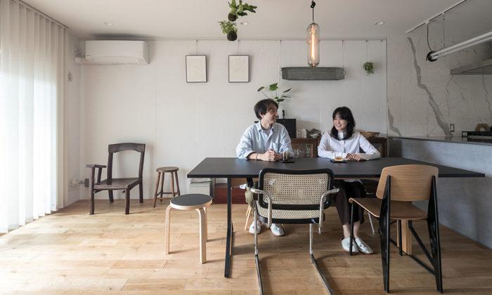 子どもの成長を見据えたリノベーション 古家具が自然と融和するシンプルモダンな空間