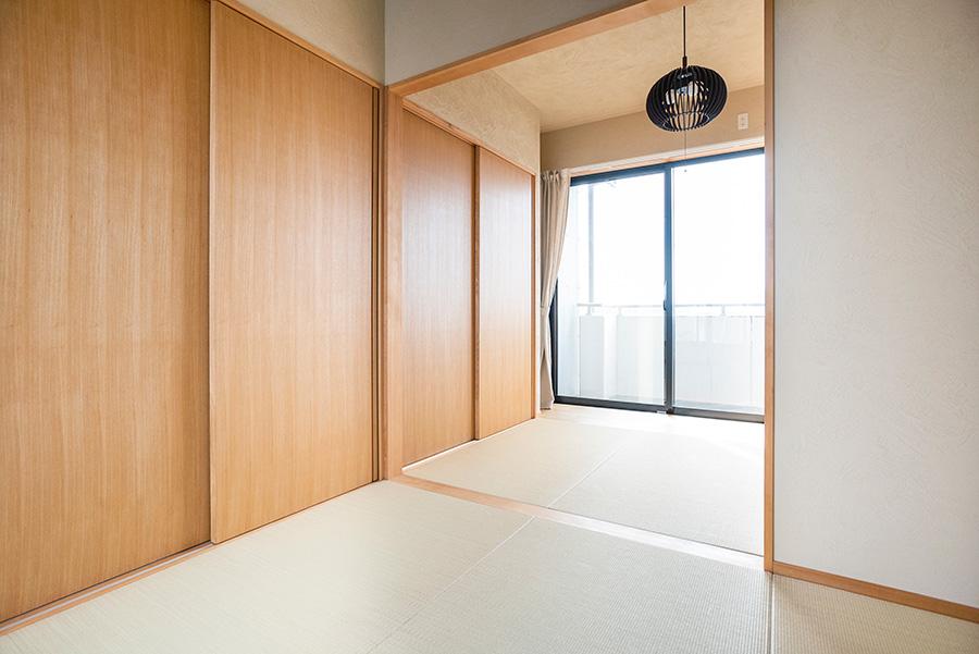 和室には減農薬の国産の素材を使った畳を敷いた。