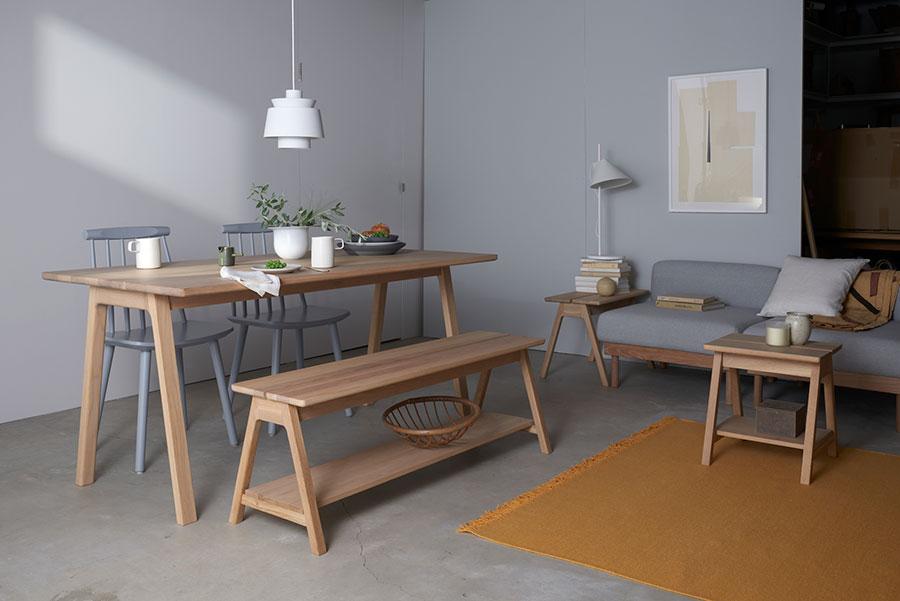 組み合わせても、単体でも楽しめるシンプルなデザイン。ソファーは間取りに合わせて数を調整できる。