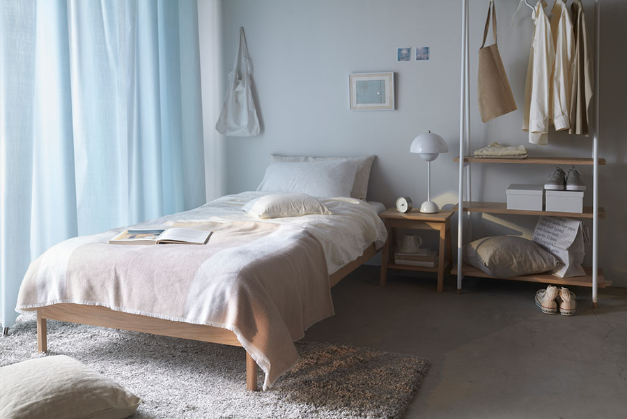 ベッドやハンガーラックといった幅広いアイテムを揃える。